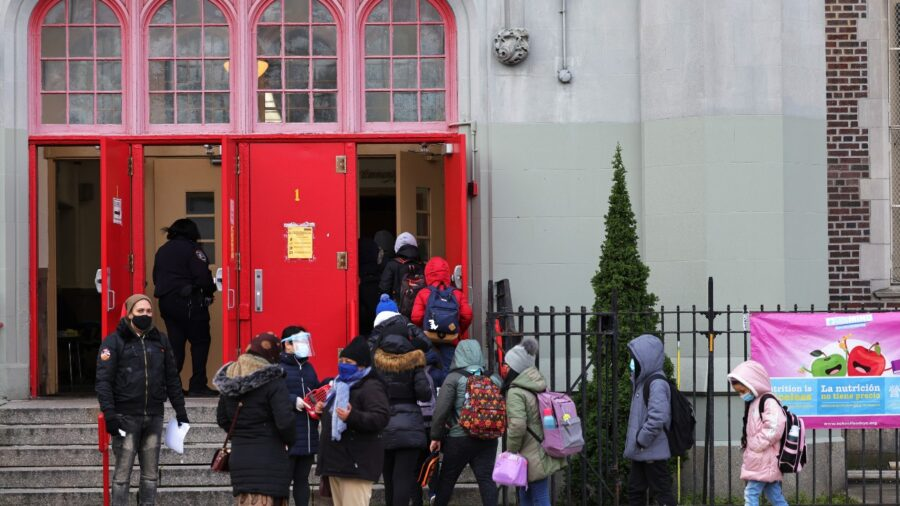 Despite Added Funding, School Counselors in NYC Remain in Short Supply, Officials Say