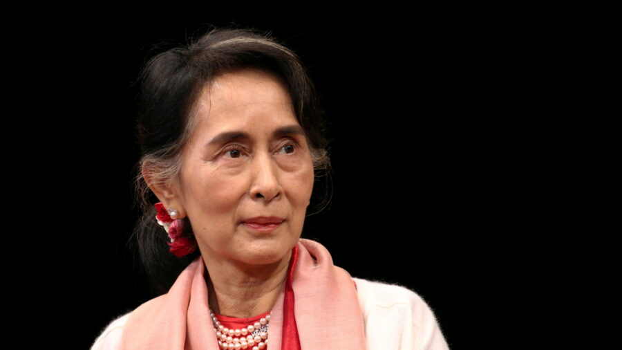 Burma's Suu Kyi Asks Court to Let Her Meet Lawyers, Activists Urge New Year Defiance