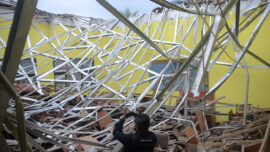 Indonesia Quake Kills 7 in Java, Jolts Bali; No Tsunami Risk