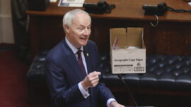 Arkansas Judge Restores $300 Pandemic Jobless Benefit Boost