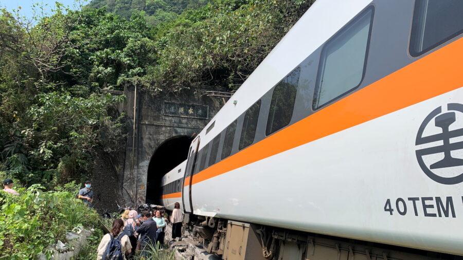 Taiwan Prosecutors Seek Arrest in Deadly Train Crash