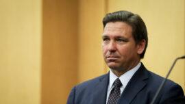 Florida Gov. DeSantis Pardons Violators of Masks Mandates, Social Distancing Rules