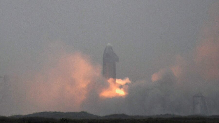 SpaceX Starship Rocket Prototype Achieves First Safe Landing