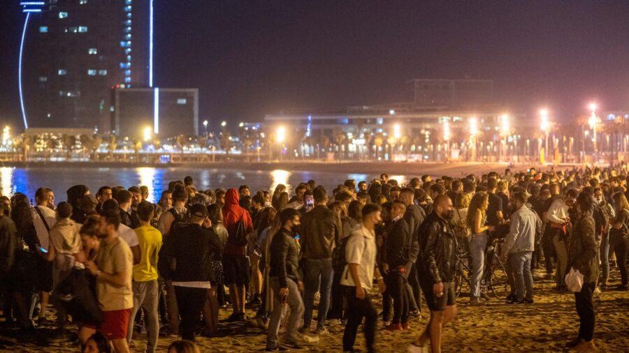 Street Parties Celebrate End of Spain's State of Emergency