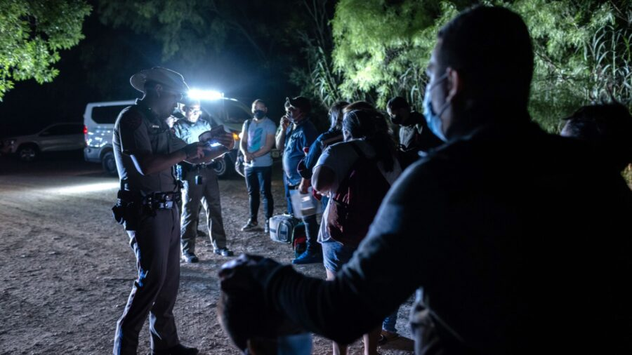 Thousands of Migrants Biden Said Would Be Allowed to Enter the US Turned Back to Mexico