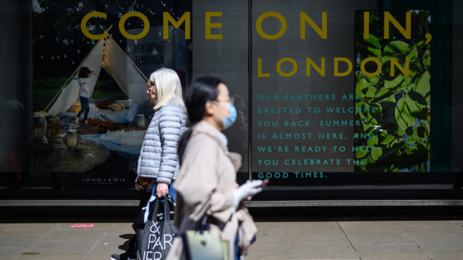 Shoppers Hesitant Despite Relaxation of Restrictions
