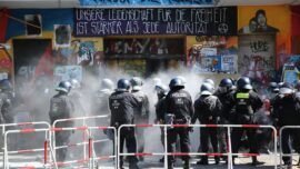 Berlin Police Enter Occupied Building After Clashes