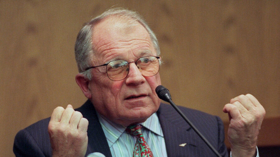 Celebrity Attorney F. Lee Bailey Dead at 87