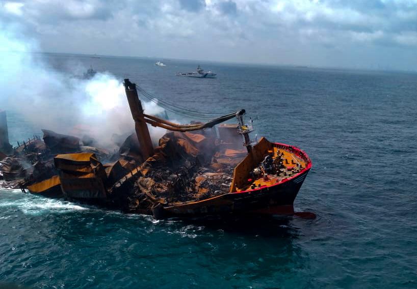 mv-x-press-pearl-vessel-sinking