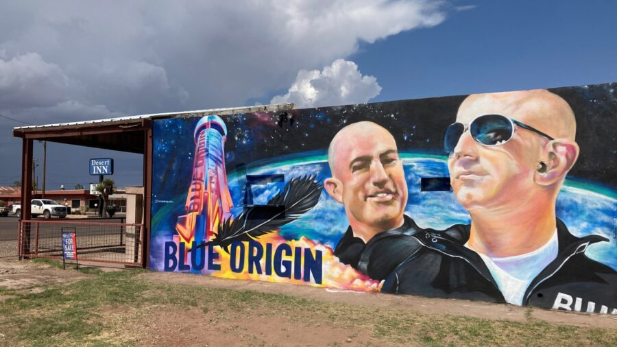 'Not Really Nervous': Billionaire Bezos Girds for Inaugural Space Flight