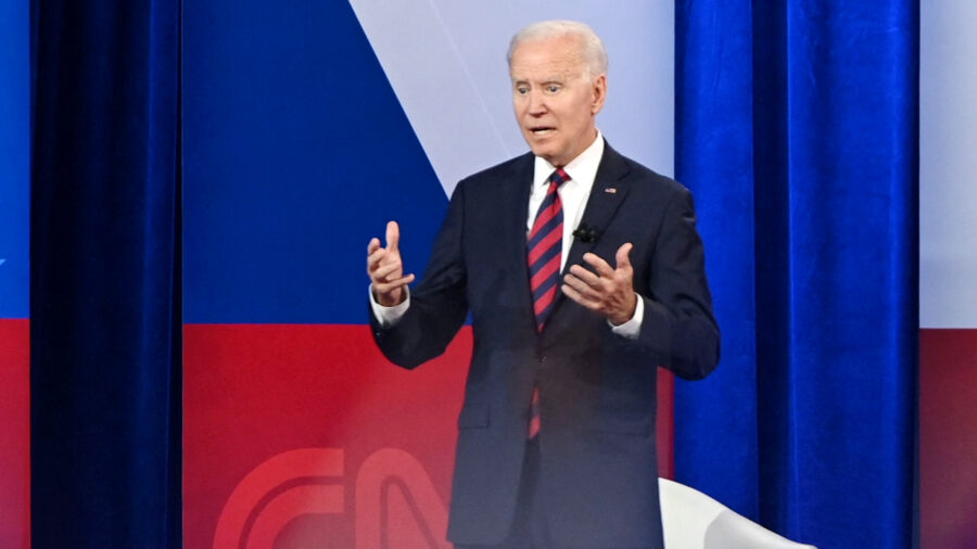 Biden Says CDC Likely to Extend School Mask Guidance to Children Under 12