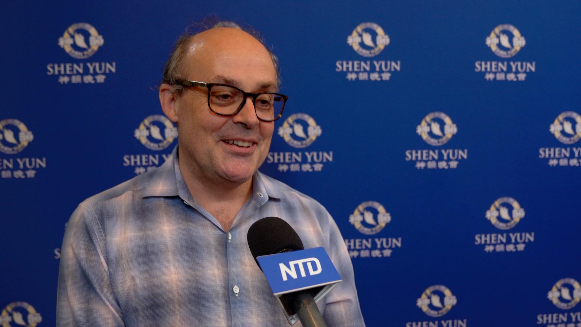 Professor: Shen Yun 'Enlightening, Inspiring'