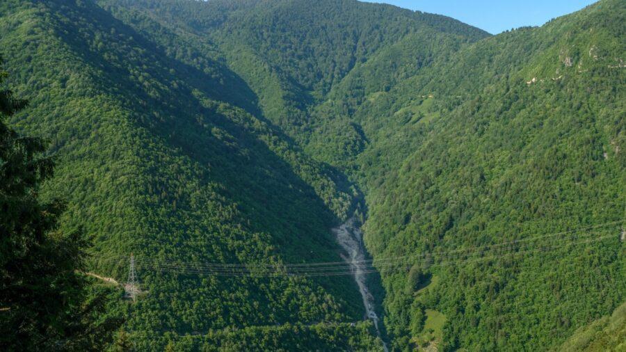 6 Dead, 2 Missing in Floods, Landslides in Northeast Turkey