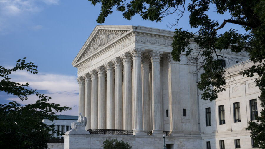 Three Senate Republicans Call on Supreme Court to Overturn Roe v. Wade