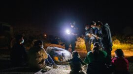 Border Agents Encounter Largest Group of Illegal Immigrants, 700+ in 3 Days