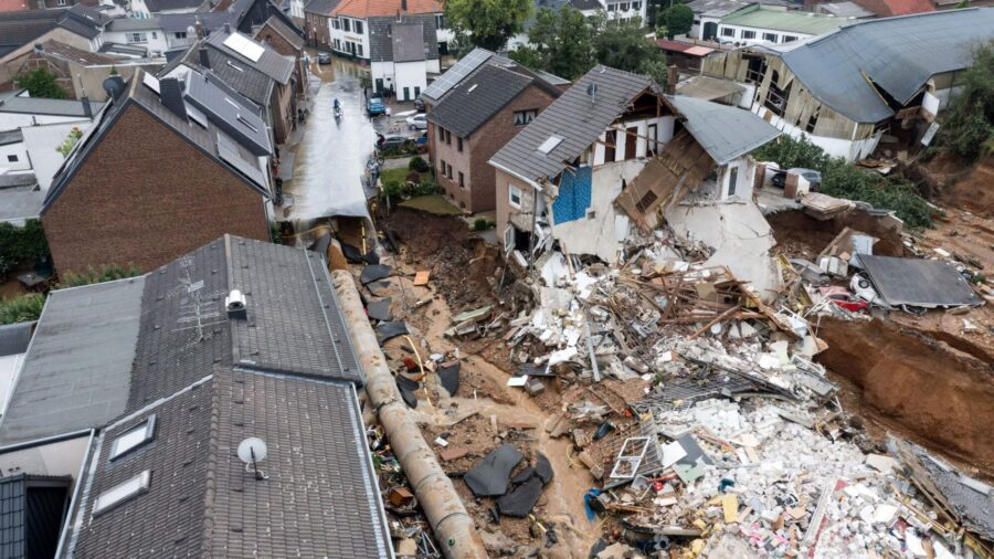 Some 114,000 Western German Households Without Power After Floods
