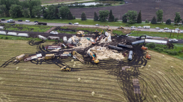 train-derails-in-canada.