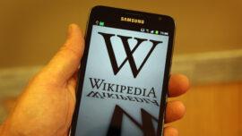 Wikipedia Bans 7 Chinese Editors Over Threats