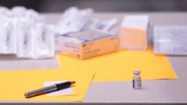 Judge Blocks NY Health Worker Vaccine Mandate