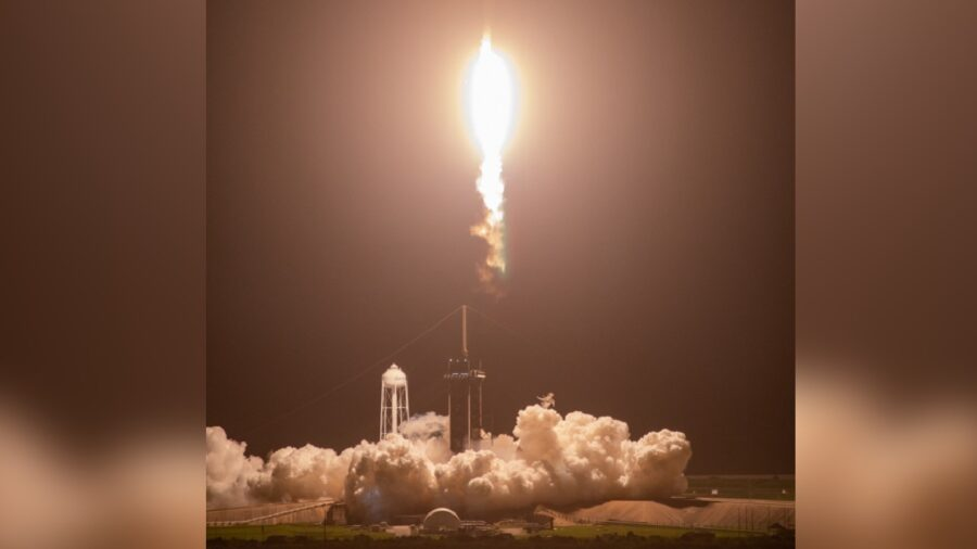 SpaceX Prepares to Send First All-Civilian Crew Into Orbit