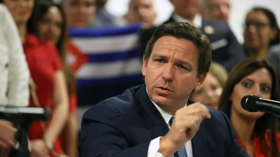 Florida Districts Reverse Mask Rules After DeSantis' Order to Cut Funding