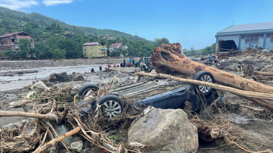 At Least 44 Killed in Turkey Flood as Search for Missing Continues