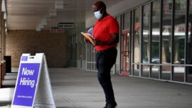 Weekly Jobless Claims Fall to Pandemic-Era Low