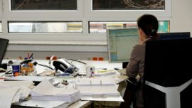Long Work Hours Raise Odds of Heart Attack