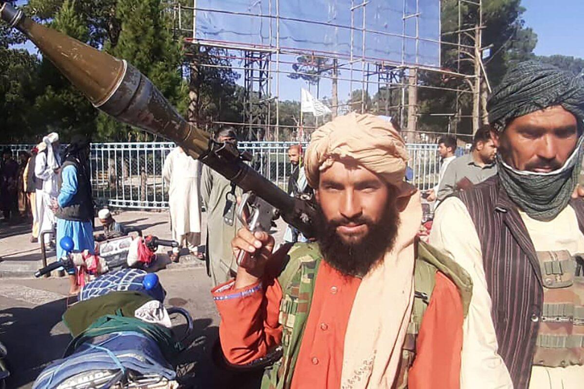 taliban-terrorist-holds-rocket