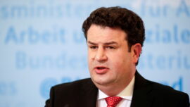 German Employers Not Allowed to Request Workers' Vaccination Status: Labor Minister