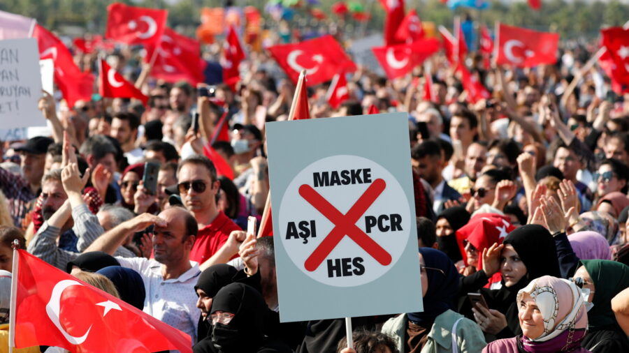 Thousands Protest in Turkey Against COVID-19 Vaccine Passports