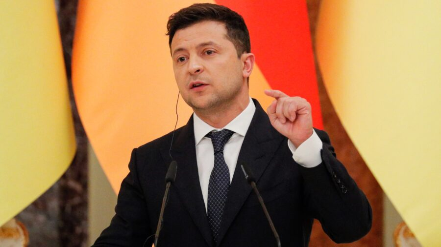 Ukrainian President Admits Probability of 'Full-Scale War' With Russia