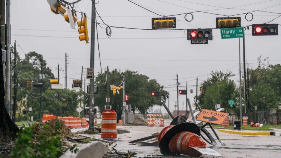 Rare 'High-Risk' Flash Flood Alert Issued for Southwest Louisiana Amid Tropical Depression Nicholas