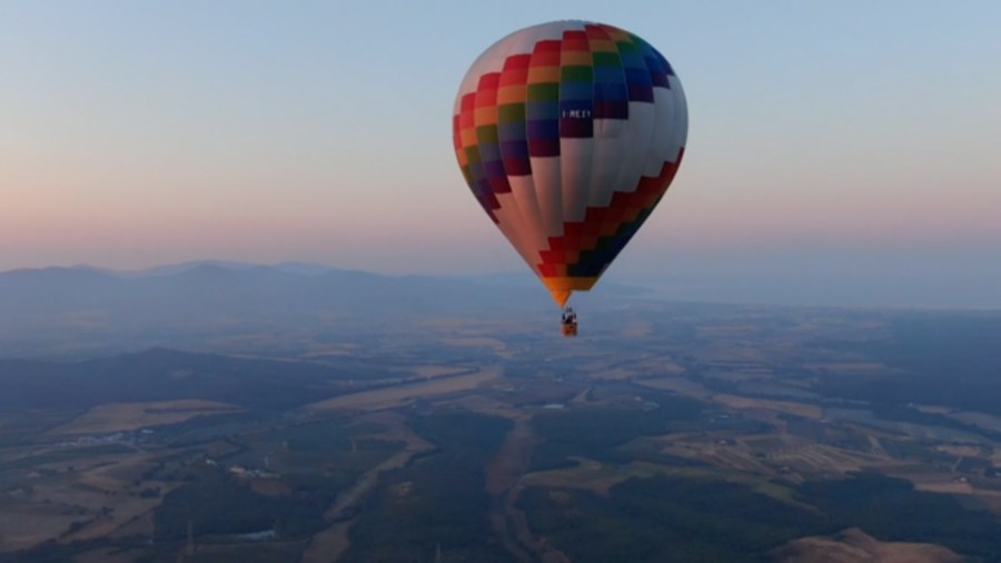 Germans Compete in Hot Air Balloon Tournament