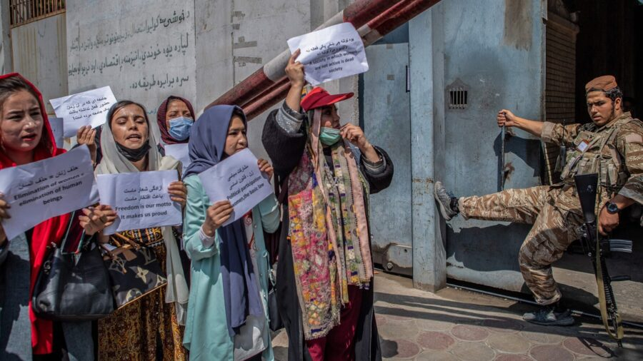 Taliban Order Kabul Government Female Employees to Leave Workforce, Stay at Home