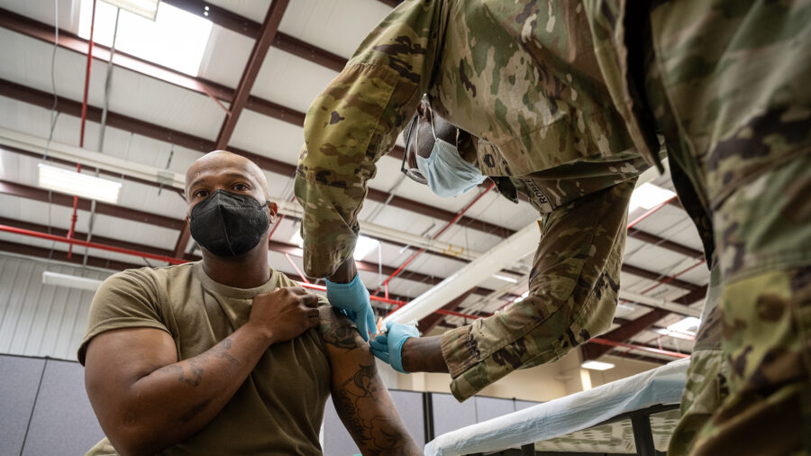 US Army Sets Deadlines for COVID-19 Vaccines, Threatens Disciplinary Action