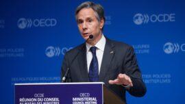 Blinken Tells China to 'Act Responsibly' in Evergrande Crisis