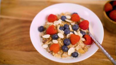 How to Make the Perfect Granola Recipe (Sugar-Free)