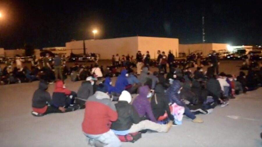 Mexico Finds 652 Migrants in Truck Trailers Near Border