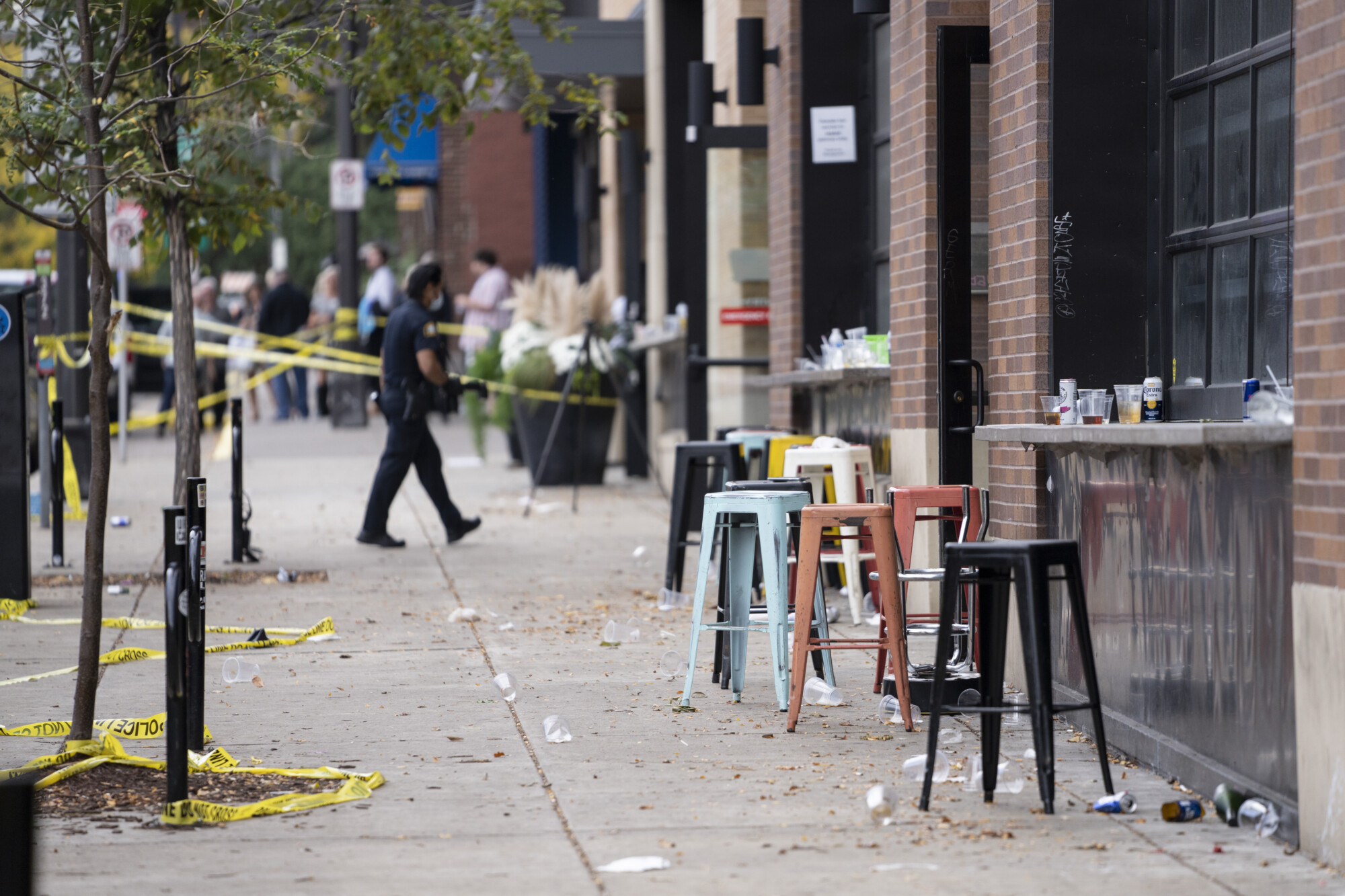 1 Killed, 14 Wounded in Shootout at Minnesota Bar