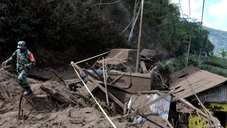 Moderate Earthquake Rocks Bali, Killing at Least 3