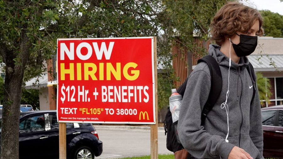 Small-Business Optimism Dips as Inflation and Hiring Woes Hurt Sentiment
