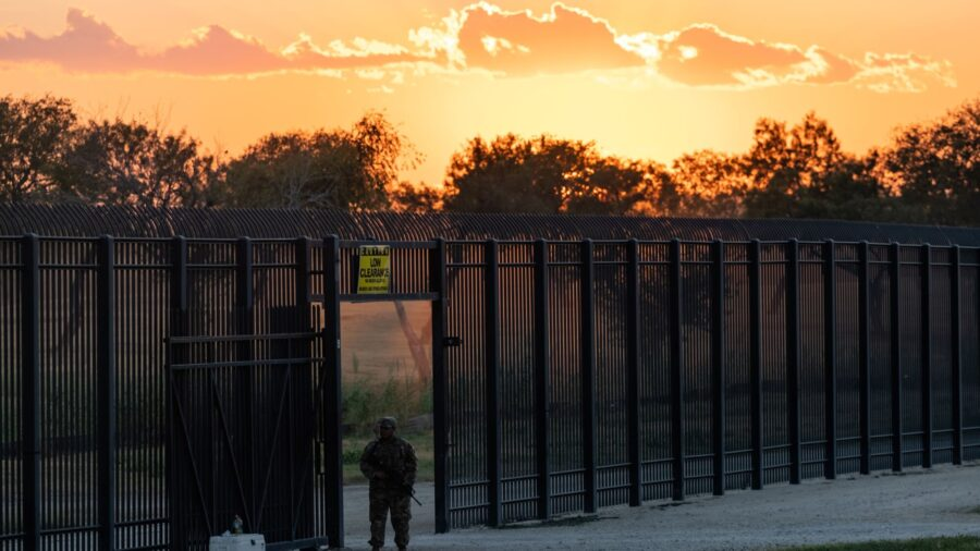 Appeals Court Overrules Judge, Lets Biden Admin Use COVID-19 Policy to Expel Illegal Immigrants