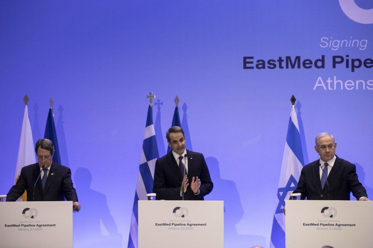 Israeli Prime Minister Benjamin Netanyahu (R) Greece