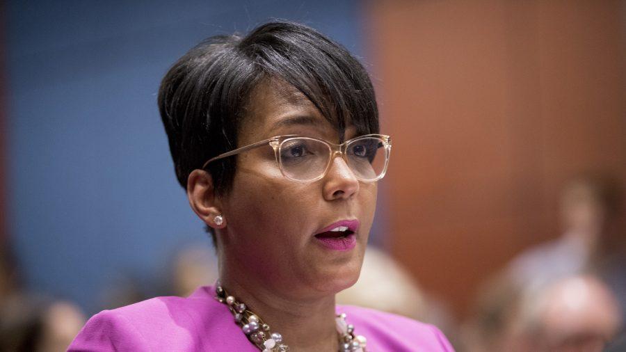 Atlanta Mayor Won't Seek Re-Election