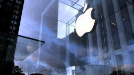 Apple Faces 1 Billion Pounds in Legal Action Over App Store