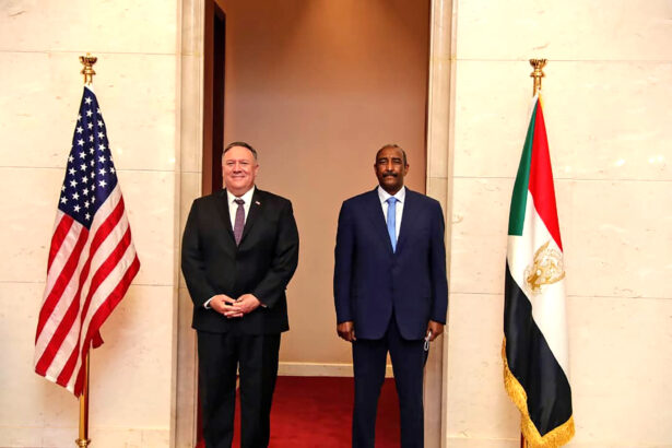 Mike Pompeo and Abdel-Fattah Burhan