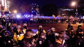 At least 4 Stabbed, 23 Arrested After Protesters Clash in Washington