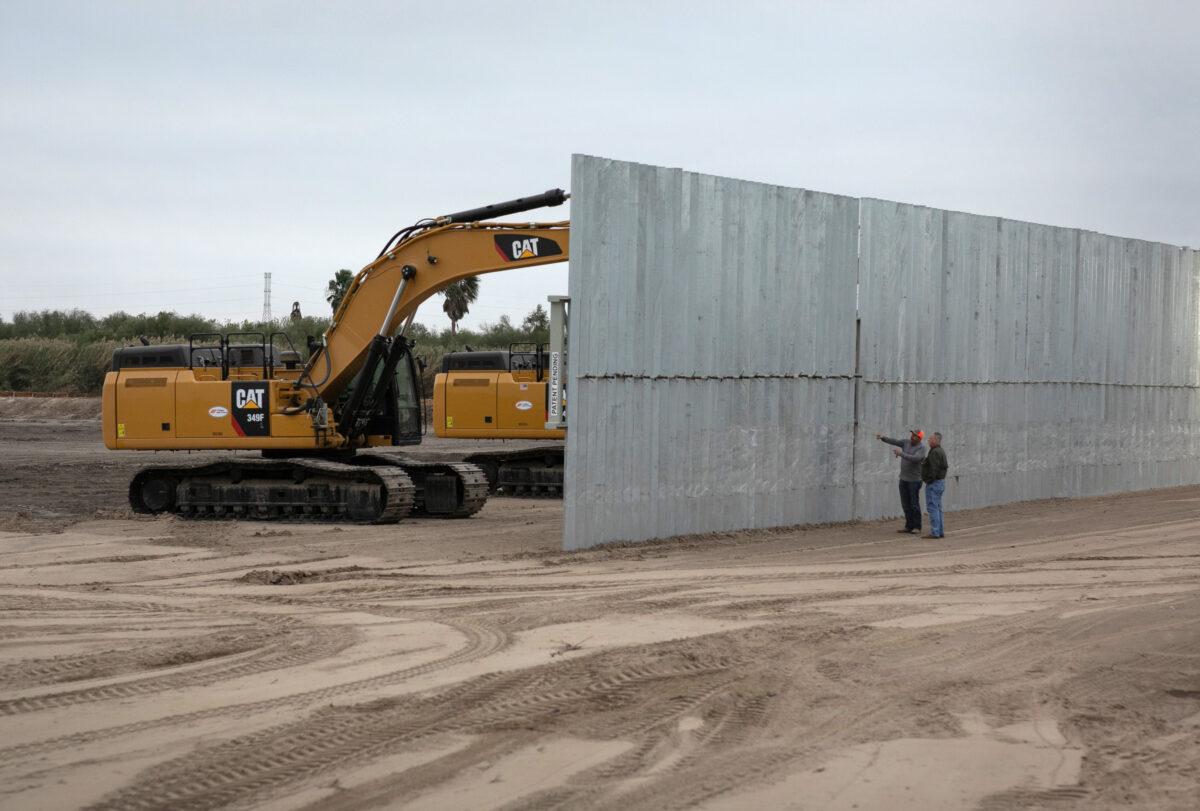 US border wall construction