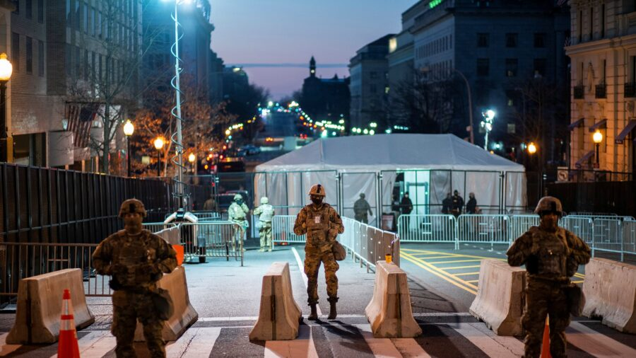 US Capitol Police Denies Relocating National Guard Troops From Capitol to Garage